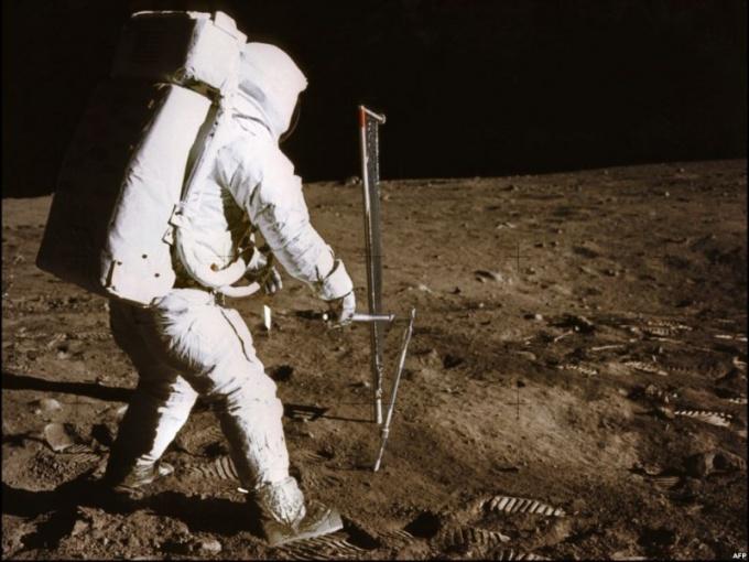 Алан Шепард на Луне