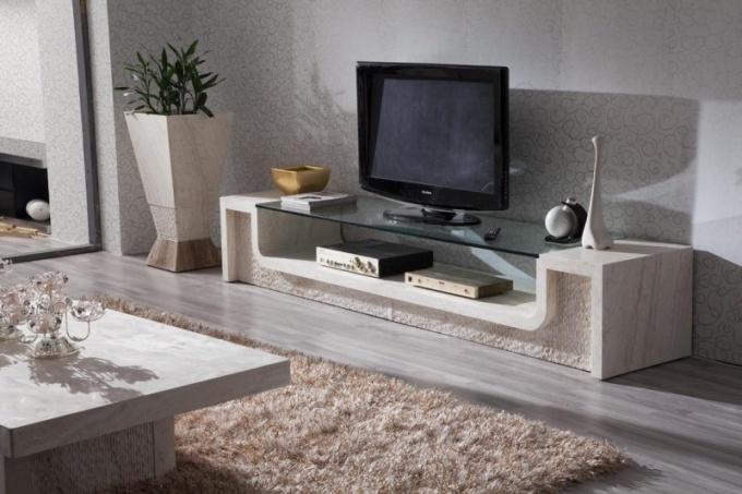 Какой телевизор лучше брать ЖК или плазму