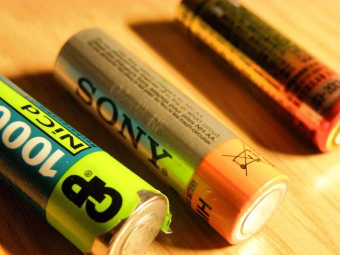 Как использовать использованные батарейки