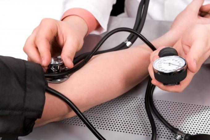 Какими лекарствами можно снизить высокое артериальное давление