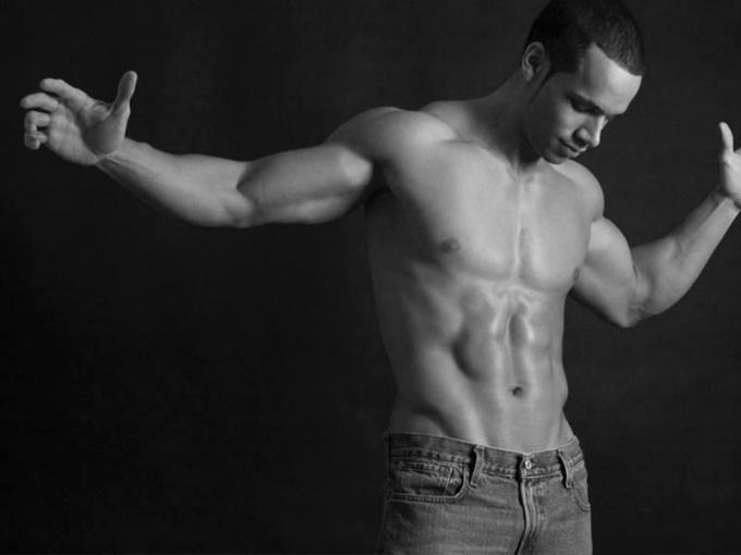 Какие основные упражнения с эспандером для мужчин существуют