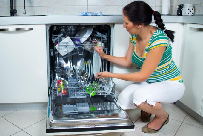 Почему посудомоечная машина сливает воду