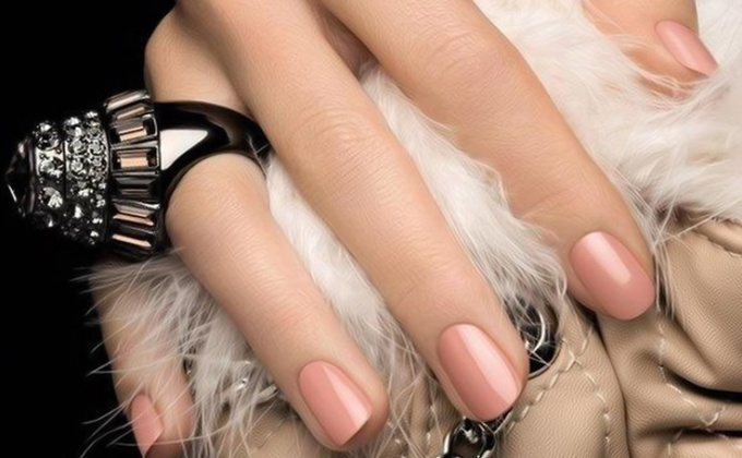 Manicure in nude style
