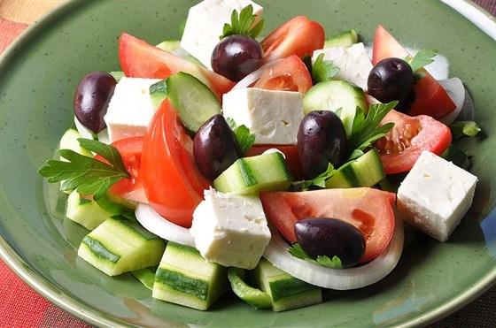 Как приготовить классический греческий салат