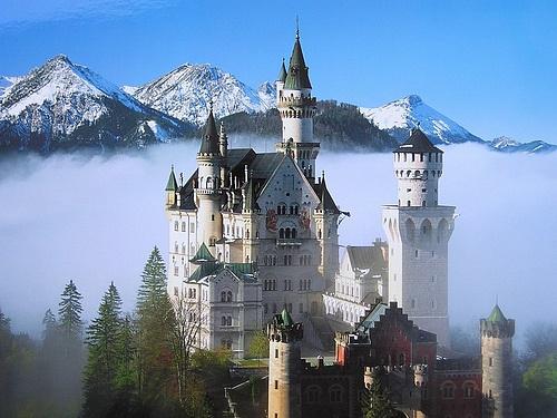 Знаменитый замок Нойшванштайн