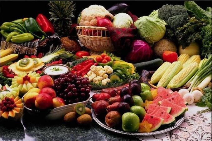 Клетчатка содержится в продуктах растительного происхождения
