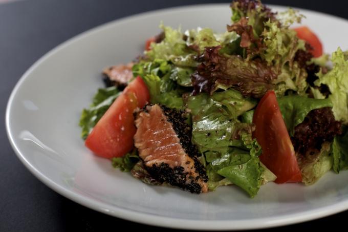 Салат с семгой малосоленой