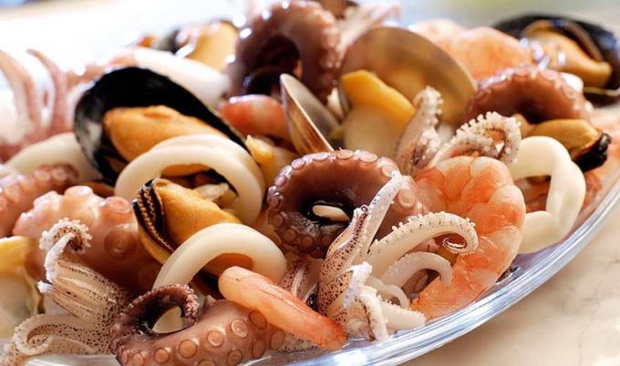 Салат «Ниагара» с морепродуктами