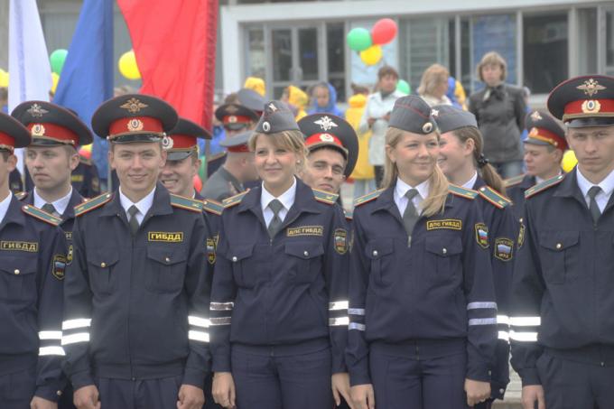 Молодые сотрудники ГИБДД