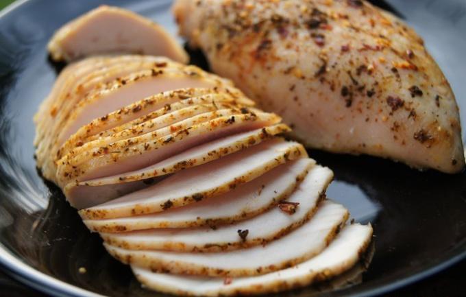 Как приготовить пастрому из курицы