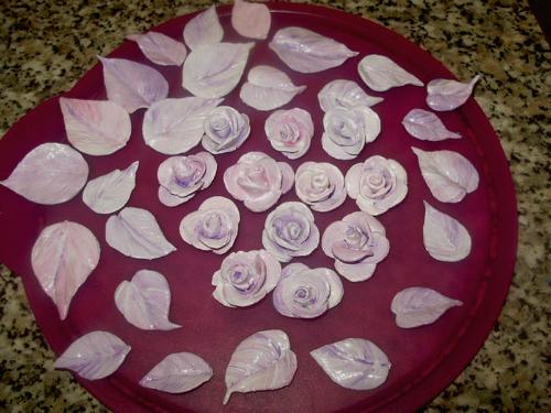 Росписная ваза с розами
