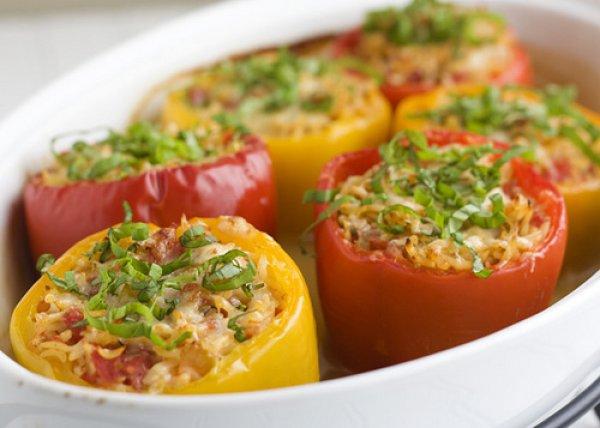 Как готовится фаршированный болгарский перец