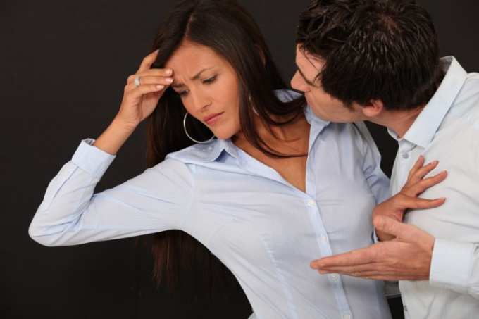 How to behave after learning about her husband's infidelity