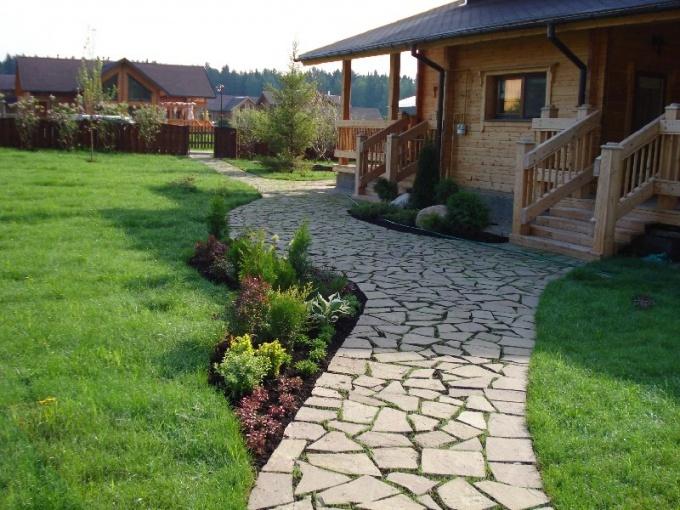 Как отделать камнем садовые дорожки