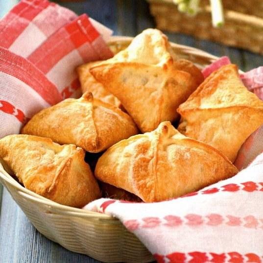 Издавна на Руси ни одна трапеза не обходилась без пирогов и пирожков