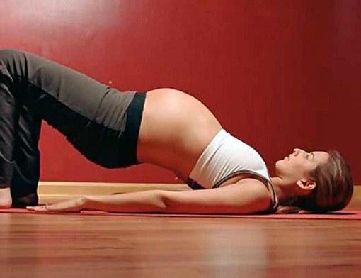 Какие упражнения разрешается делать беременной женщине