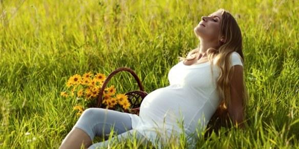 На каком сроке беременности сильно распухают ноги
