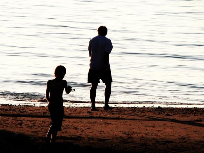 Как взыскать алименты с о своего отца