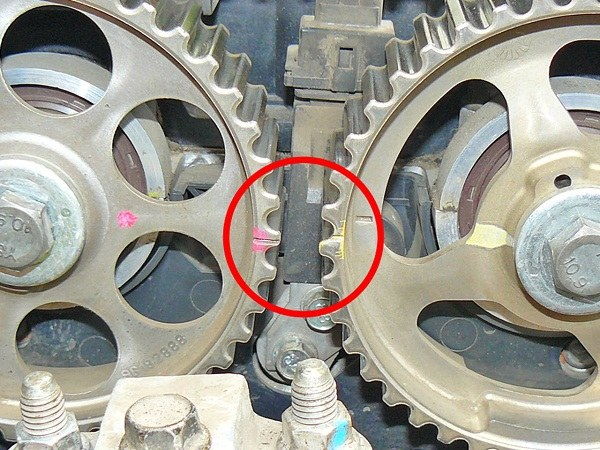 The correct location of the camshafts