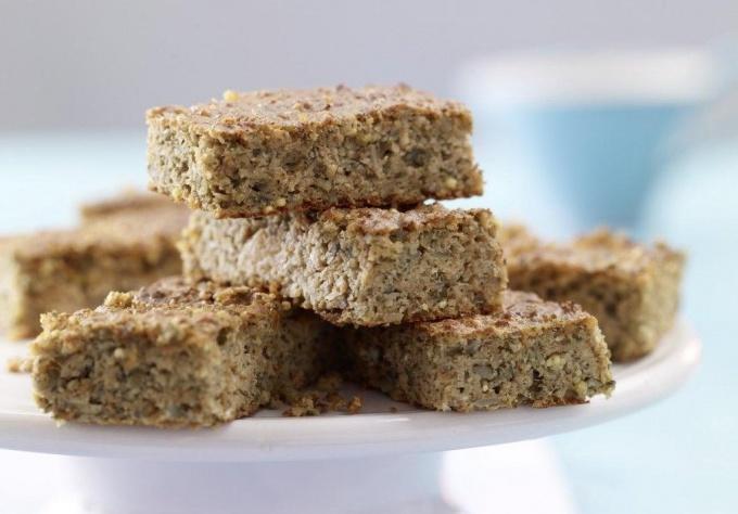 Как приготовить пирог из айвы с тыквенными семечками