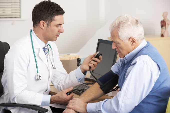 How to measure pressure: a blood pressure cuff is better