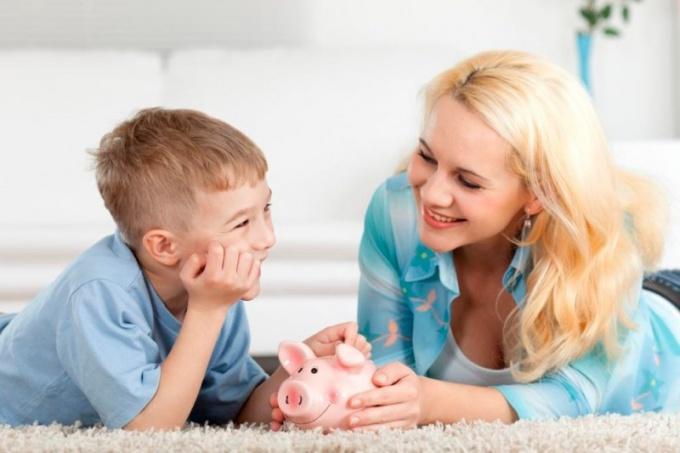 Когда давать карманные деньги ребенку