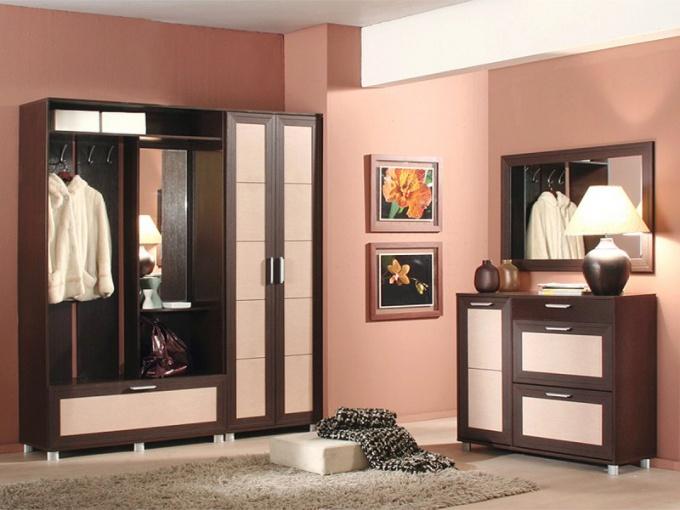 Как подобрать мебель для коридора