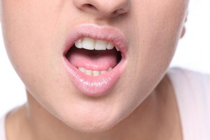Что делать, если зуб качается