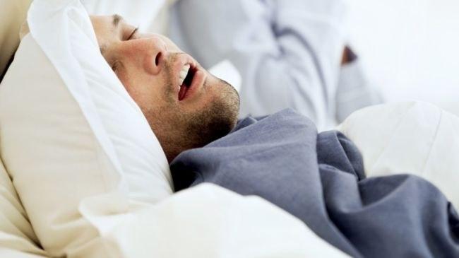 Как оказать помощь при остановке дыхания