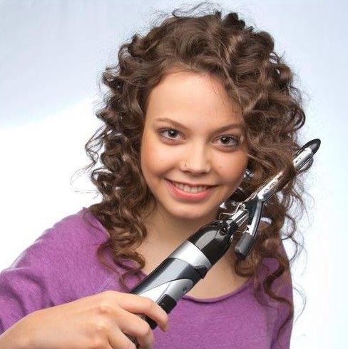 How to make a hairstyle on curly hair