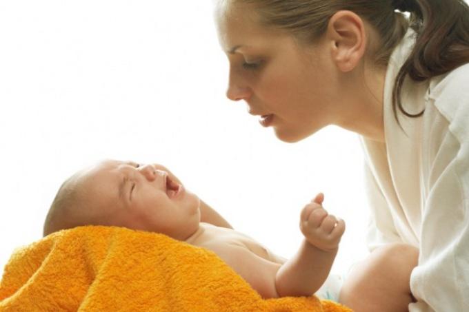 От каких продуктов пучит живот у новорожденного