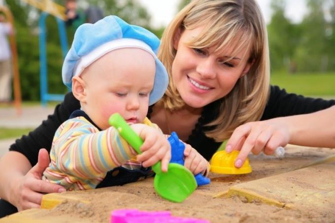 Во что играть с грудным ребенком