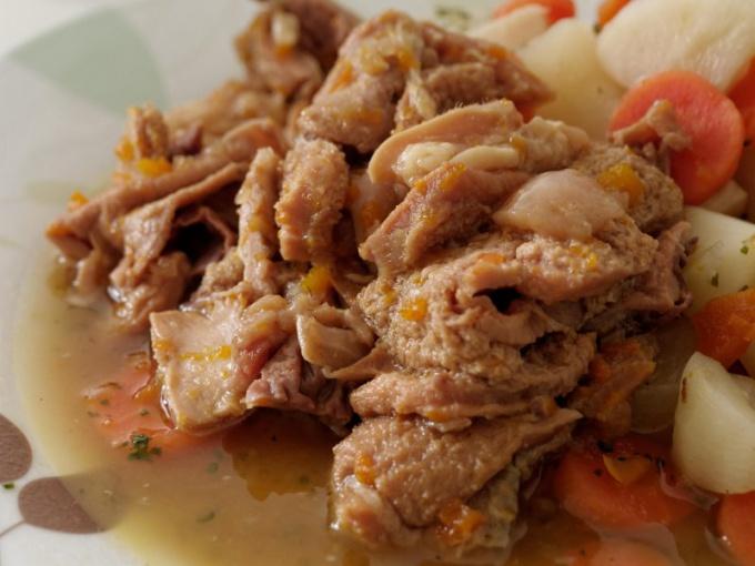 Тушенка - вкусная добавка в любое блюдо