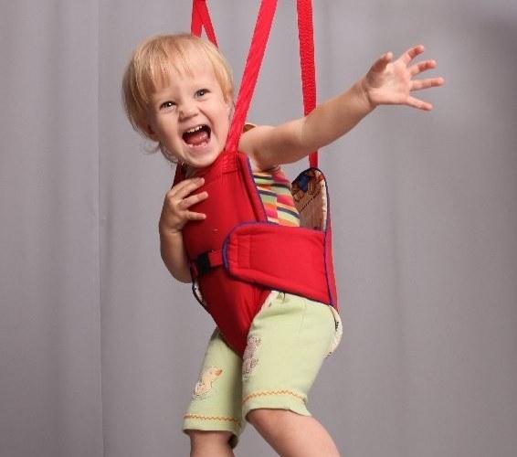 Как сажать ребенка в прыгунки
