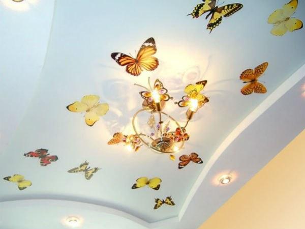 Как клеить виниловые наклейки на потолок