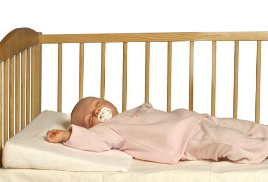 Как приучить ребенка к подушке