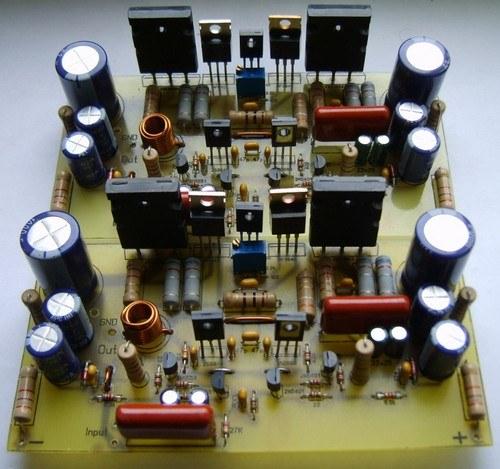 Плата современного полупроводникового усилителя