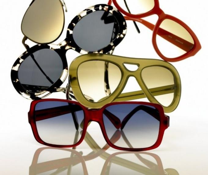 Какие очки подходят при крупных чертах лица