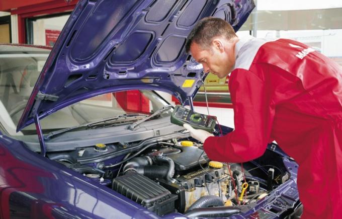 Что такое электронный блок управления двигателем