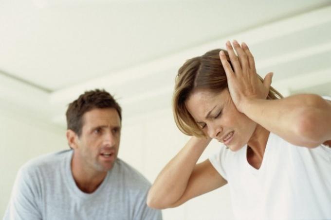 Как бороться с ревностью у девушки