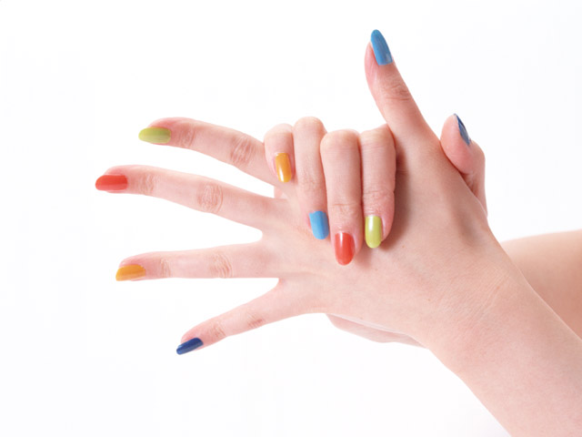 How to make nails with different colors