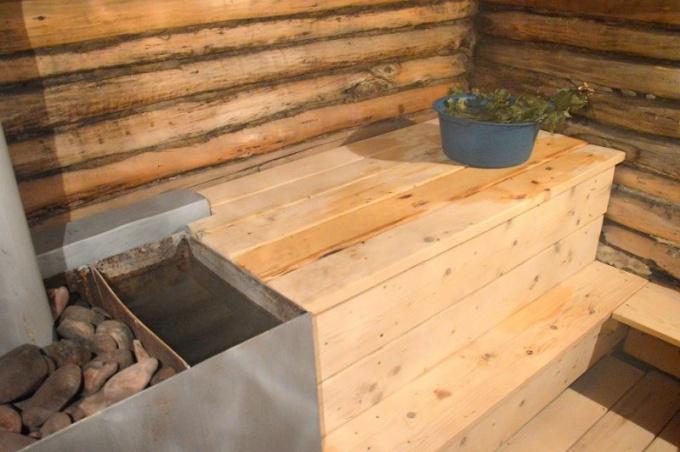 Мыться в правильно затопленной бане - чрезвычайно полезно для здоровья