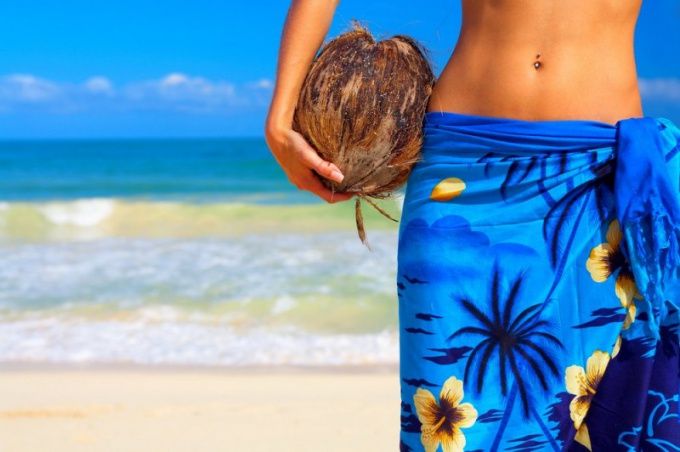 Как завязать верно парео для пляжа либо вечеринки