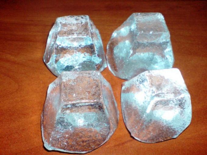 Кристаллы силиката натрия