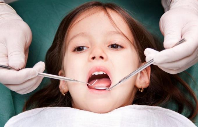 Лечение пульпита в молочных зубах видео