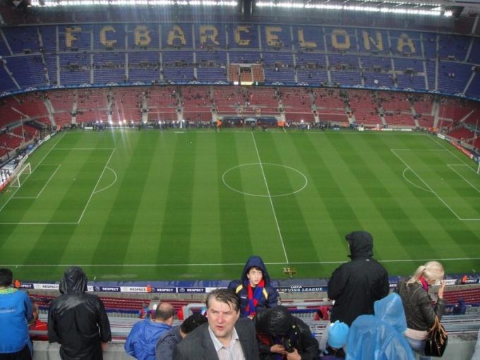 Правильная разметка футбольного поля способна украсить любой стадион