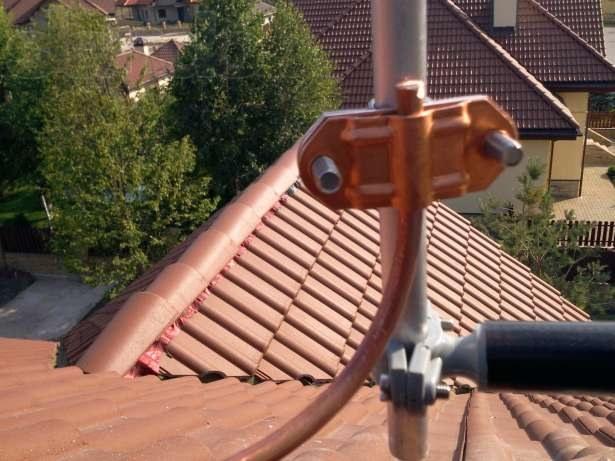 Молниеотвод на крыше частного дома