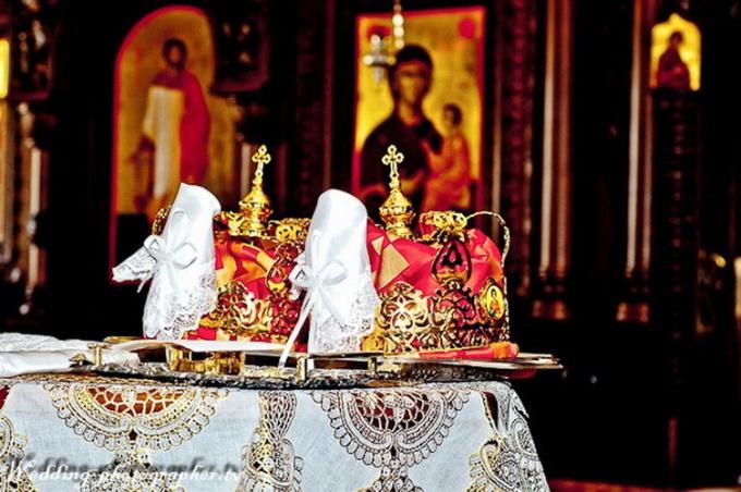 Что дарят на венчание молодым Подарочные иконы подарки