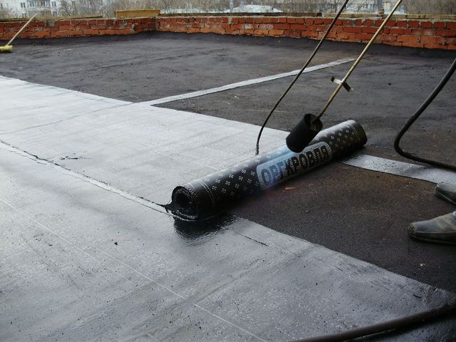 Как покрыть крышу рубероидом