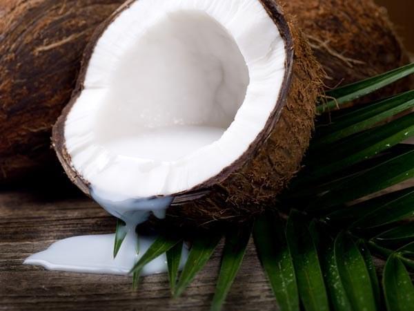 Что такое кокосовое молоко: калорийность и польза продукта